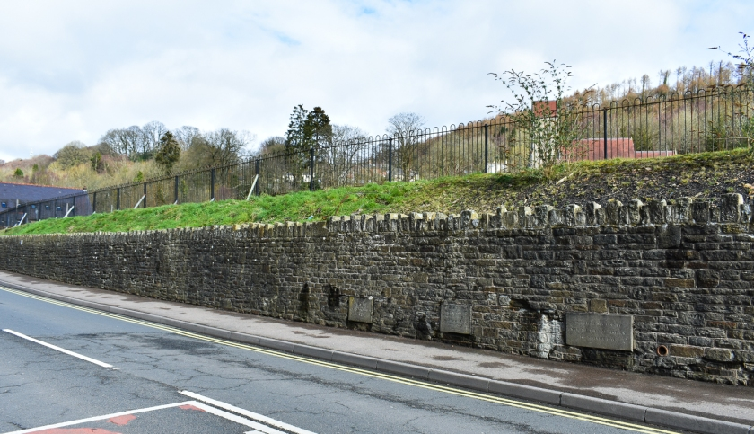 Wall long